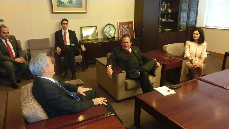 Con el Ministro de Relaciones Exteriores de Japón, acompañado por la Presidenta Estatal del DIF, Blanca Rivera Río de Lozano.